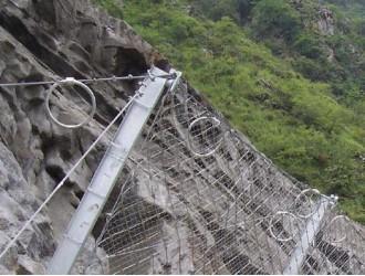边坡防护网的安装需要哪些因素?